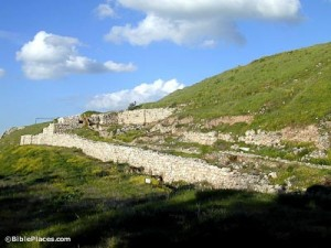 Lachish-approach-ramp-to-city-gate,-tb022201260-bibleplaces