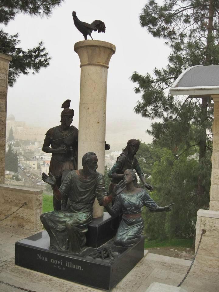 Gallicantu Statue